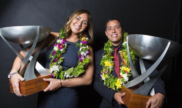 Carissa Moore e Adriano de Souza campeões mundiais da World Surf League em 2015